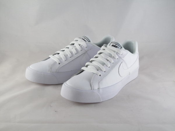 Nike Dames Court Royale Wit